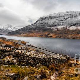 Adrian Evans - Snowcapped Valley
