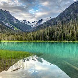 Spectacular Turquoise Lake