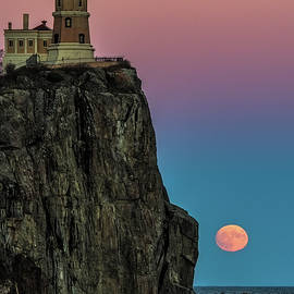 Paul Freidlund - Split Rock Super Moon