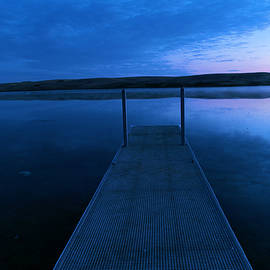 Jeff  Swan - Springbrook lake at dawn