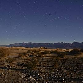 Michael Courtney - Stars Over The Mesquite Dunes