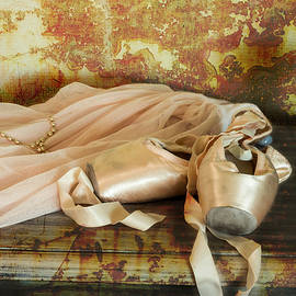 Claire McKernie - Still life with pointe shoes