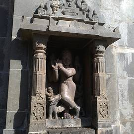 Rupesh Kumar - Stone idol