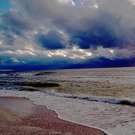 Vicky Tarcau - Storm Clouds