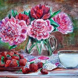 Katreen Queen - Strawberries with cream