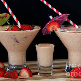 Tracy Hall - Strawberry smoothies