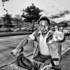Daniel Gomez - Street Portrait   199