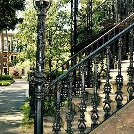 Linda Covino - Streets of Savannah