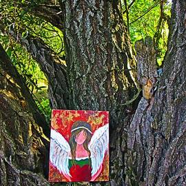Vesna Martinjak - Summer angel on the tree