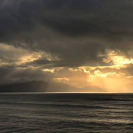 Sun rays at Inch beach
