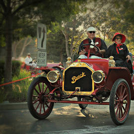Steve Natale - Sunday Drive in a 1910 Buick