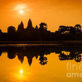 Yew Kwang - Sunrise at Angkor Wat