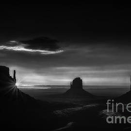 Priscilla Burgers - Sunrise at Monument Valley in Black and White