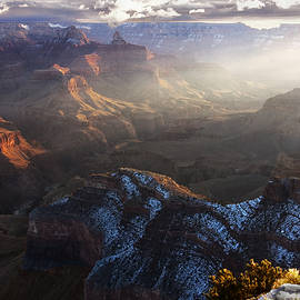 Raul Lopez - Sunrise at the Canyon
