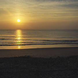 Brian Wallace - Sunrise At The Outer Banks