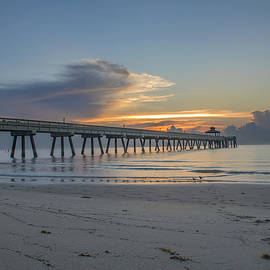 Kevin Ruck - Sunrise at the Pier