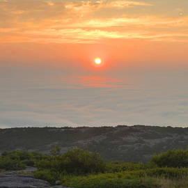 Stephen  Vecchiotti - Sunrise Over Fog Banks
