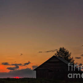Jukka Heinovirta - Sunset And An Old Barn House