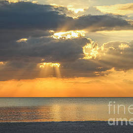 Liesl Walsh - Sunset Rays Over the Gulf