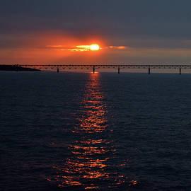 Pat Turner - Sunset Through The Straits