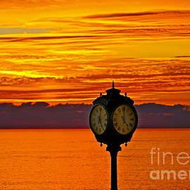 Michael Cinnamond - Sunset Time