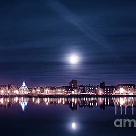 Simon Bratt Photography LRPS - Super moon rising over blue Kings Lynn