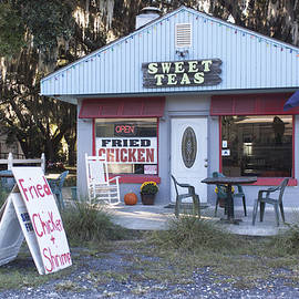 Suzanne Gaff - Sweet Teas and Fried Chicken