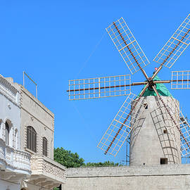 Ta Kola Windmill - Gozo - Joana Kruse
