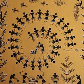 Kalyani Zodey - Tadpa dance Warli painting