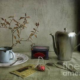 Elena Nosyreva - Tea Time