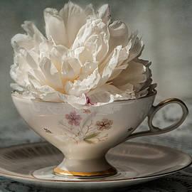 Maggie Terlecki - Tea Time