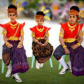 Ian Gledhill - Thai Culture Boys