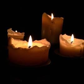 Mikhail Zhirnov - The candles