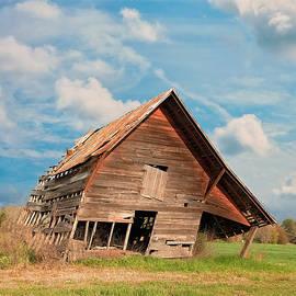 Kim Hojnacki - The Crooked Barn