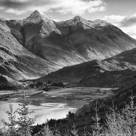 Justin Foulkes - The Five Sisters of Kintail, Scotland