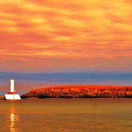 Daniel Thompson - The Harbor Light