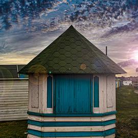 The Hut - Martin Newman