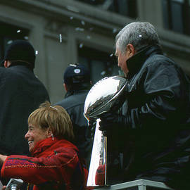 Mike Martin - The Kraft Family with the Super Bowl