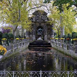 Richard Rosenshein - The Medici Fountain At The Jardin du Luxembourg in Paris France.