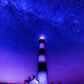 Robert Loe - The Milky Way at Bodie Island Light House