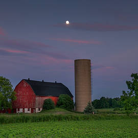 Brent Buchner - The Moon Over the Barn