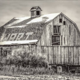 The old Red Barn Black and White