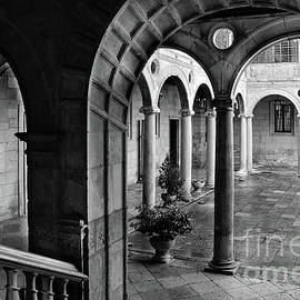 RicardMN Photography - The Palace of the Guzmanes Courtyard