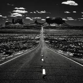 Eduard Moldoveanu - The road to the West