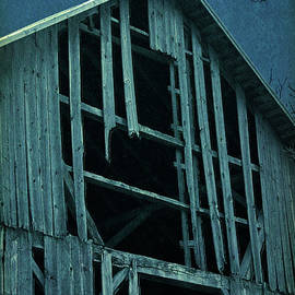 William Sturgell - The Spooky Barn at Midnight