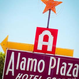 Sonja Quintero - The Star of Alamo Plaza