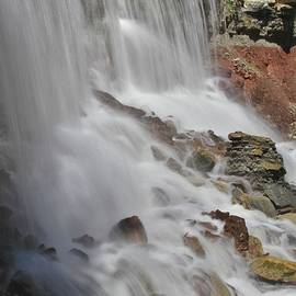 Crystal Socha - The water flows