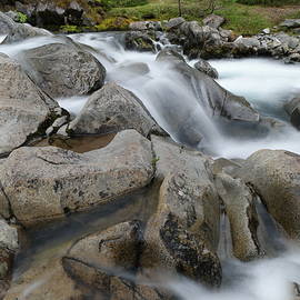 Jeff Swan - The way water forms rocks