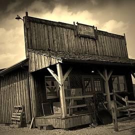 R A W M   - The Wild West