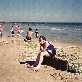 Sarah Loft - Thinker on the Beach